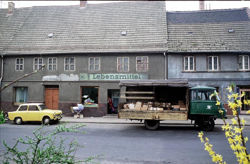 DDR 1990 kurz nach Mauerfall @RobAng 1990