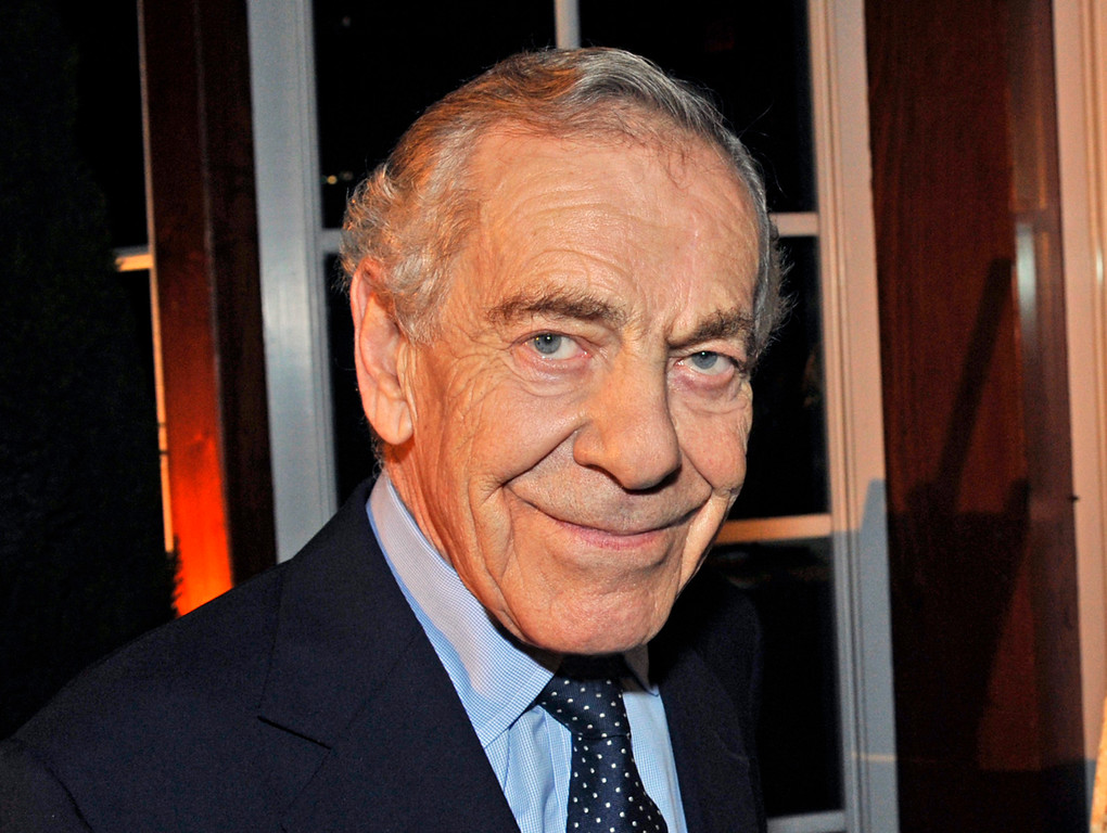 """. This Oct. 6, 2008 photo released by CBS shows \""""60 Minutes\"""" correspondent Morley Safer during the  program\'s 40th anniversary celebration in New York. (John Paul Filo/CBS via AP)"""