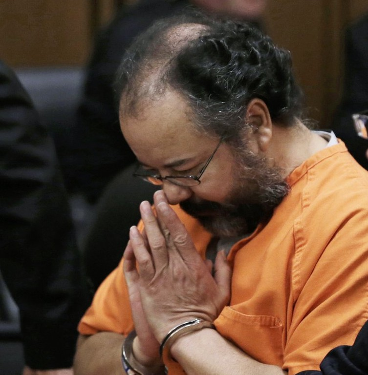 ". <p>10. (tie) ARIEL CASTRO <p>Opted for suicide after realizing life in prison would be almost as bad as life in Cleveland. (1) <p><b><a href=\'http://www.twincities.com/national/ci_24010150/ohio-man-who-held-3-women-captive-commits?source=rss\' target=""_blank\""> HUH?</a></b> <p>    (AP Photo/Tony Dejak, FILE)"