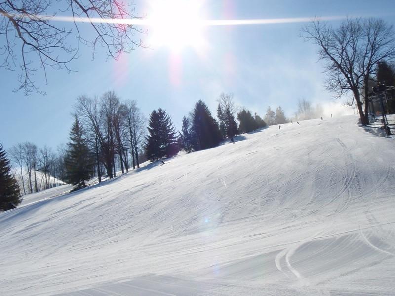 SnowTrailsOpeningDay12_16_09_014.jpg