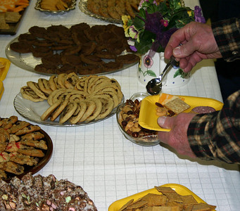 Did we mention that the snacks were top flight?  When there's something particularly interesting that we're sharing in a gallery, we always recommend that visitors click on the photograph to see a larger image.....so, go ahead.....click on this shot and take a closer look at a few of these tasty morsels!  Of course, the real reason folks attend these meetings is to absorb some good history and enjoy the fellowship.  But being able to treat yourself to a few snacks makes it all the more enjoyable!