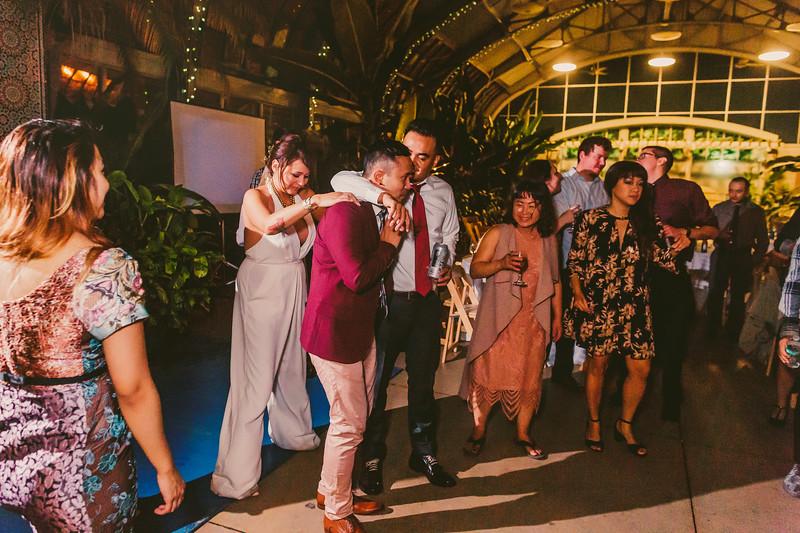 Garfieldpark-conservatory-wedding-252.jpg