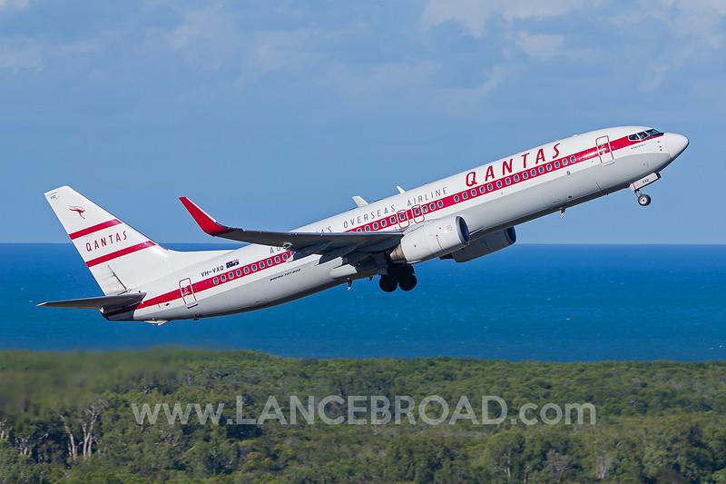 Qantas 737-800 - VH-VXQ - CNS