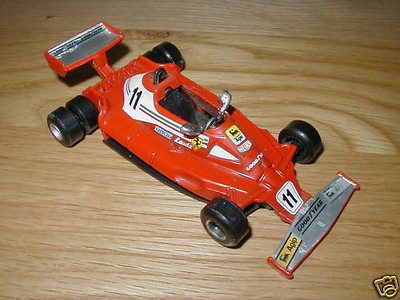 6 Wielen raceauto's.