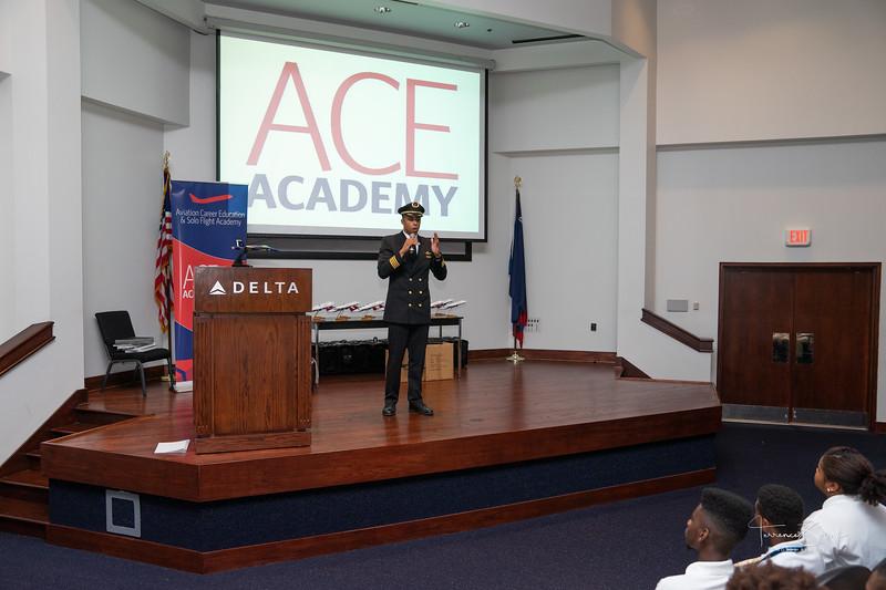 ACE_Graduation2018_sig-7.jpg