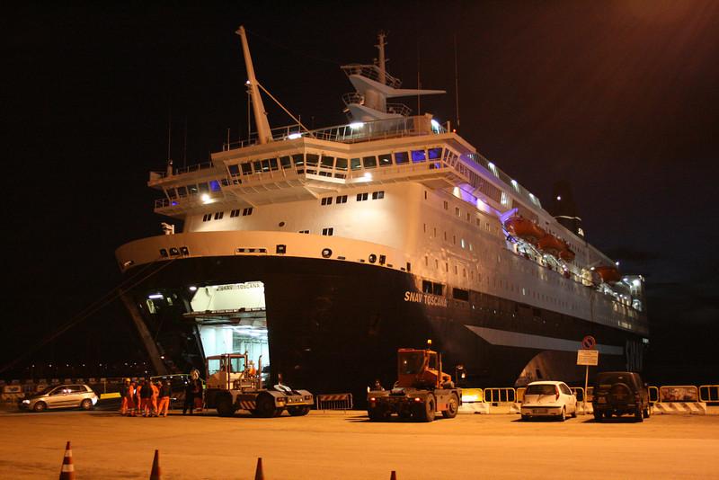 2008 - F/B SNAV TOSCANA disembarking in Olbia.