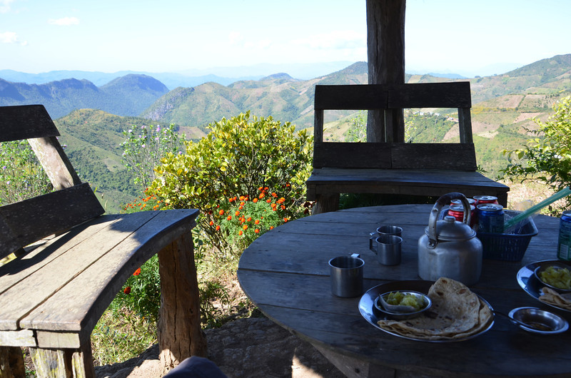 DSC_4201-viewpoint-lunch-table.JPG