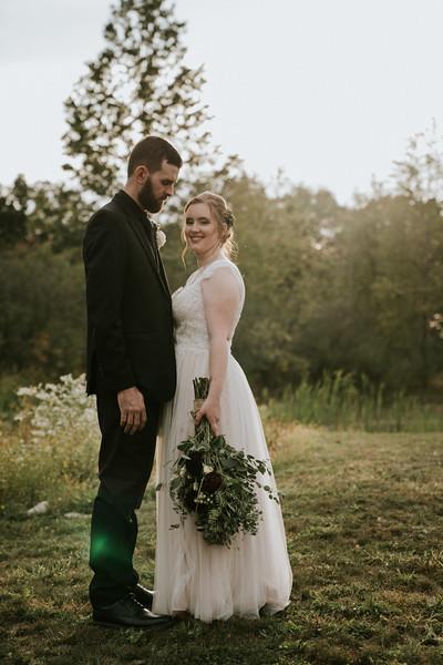 rustic_ohio__fall_barn_wedding-345.jpg