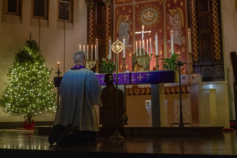 20201218_Christmas_Holy_Hour_001.jpg