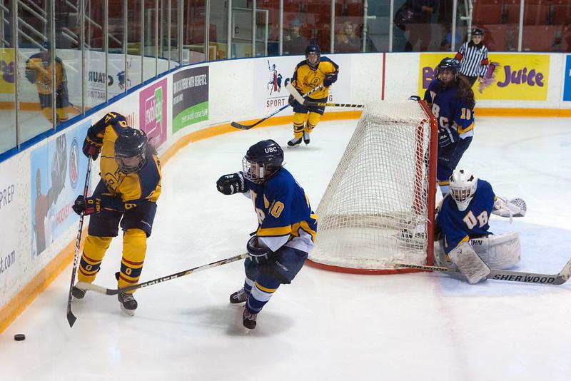 20130310 QWHockeyvsUBC 407.jpg