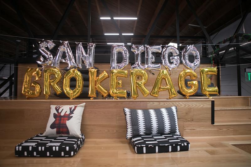 20191123_DannyDavis-SanDiegoBrokerage-HolidayParty_0012.jpg