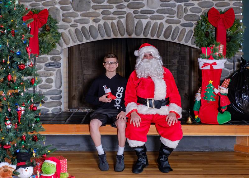 CB Santa 2019-7616.jpg