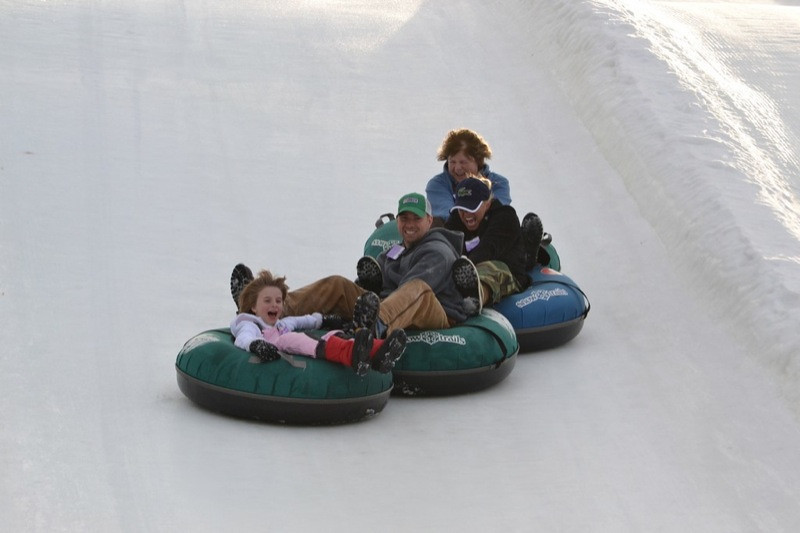 Snow_Tubing_at_Snow_Trails_030.jpg