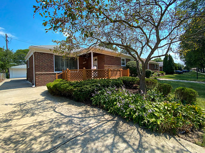 22000 Sussex St Oak Park, MI, United States