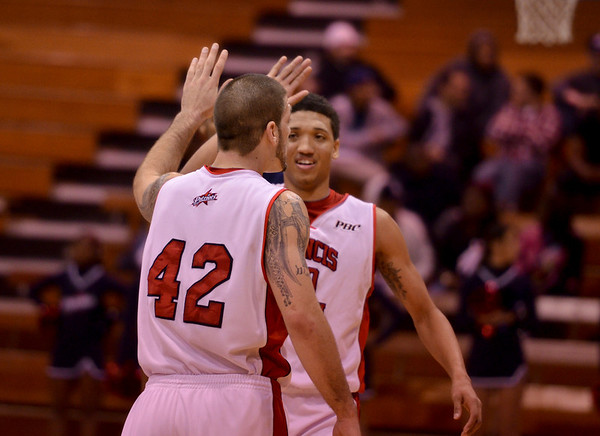 FMU Basketball  2011-1-12
