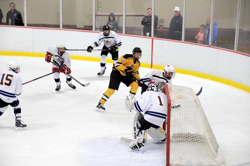 141004 Jr. Bruins vs. Boston Bulldogs-164.JPG