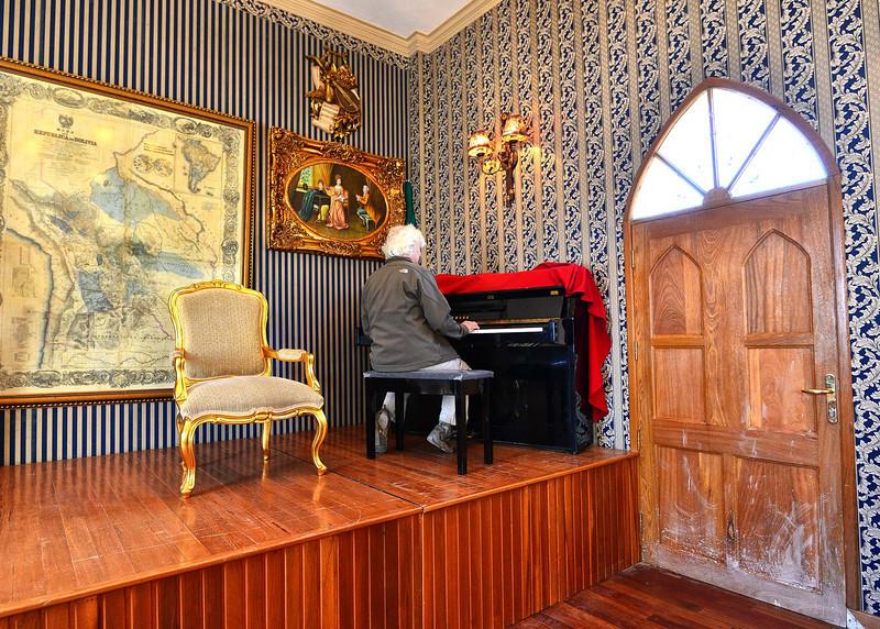 BOV_1902-7x5-Piano.jpg