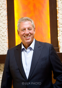 Author John Maxwell