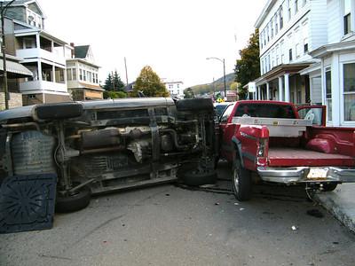 Truck Rolls Over on East Broad St, SR209, Tamaqua (10-18-2011)
