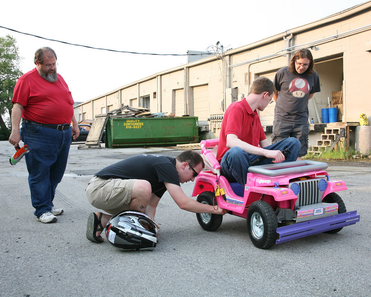 Don Cross (L), Kevin Fusselman (C) and Ben Hutcheson (R) try to determine what went wrong with the Jeep controllers.