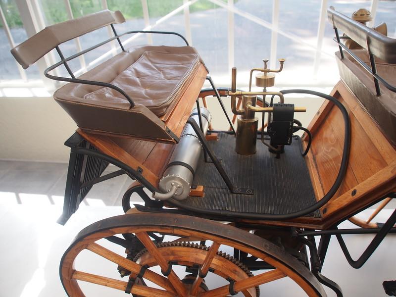 Daimler Shop-1886 powered carriage.JPG