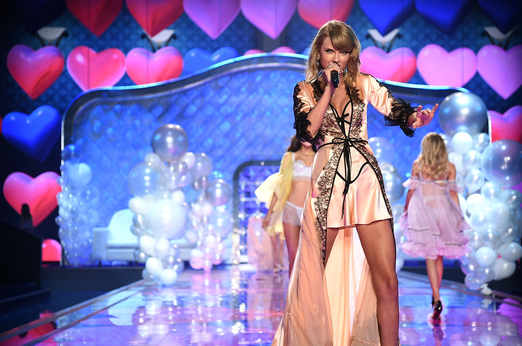 . Taylor Swift performs during the 2014 Victoria\'s Secret Fashion Show at Earl\'s Court exhibition centre on December 2, 2014 in London, England.  (Photo by Dimitrios Kambouris/Getty Images for Victoria\'s Secret)