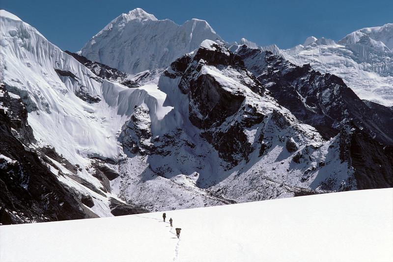 Trekking in Nepal NEP2E