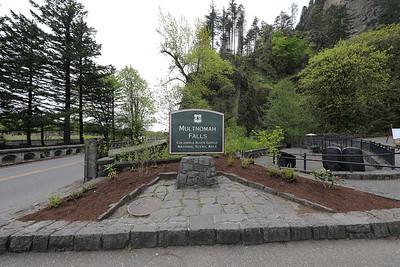 03 Multnomah Falls