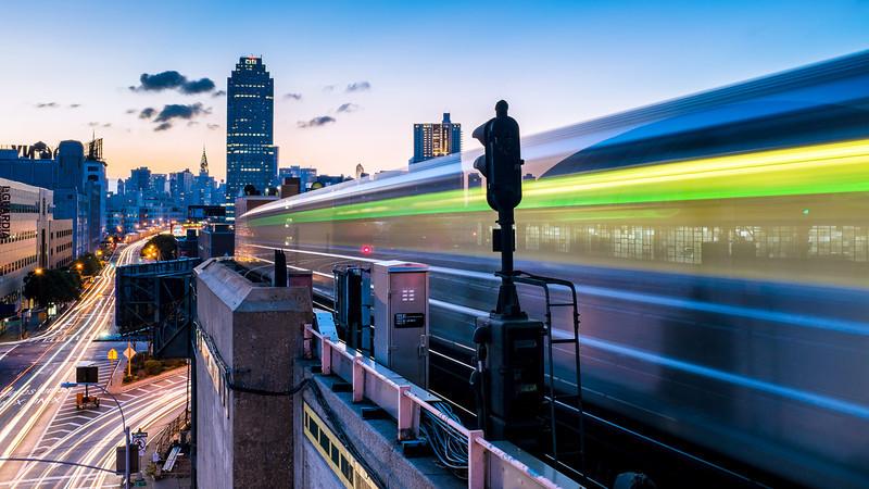 7 Train Series: 33rd  Rawson Street