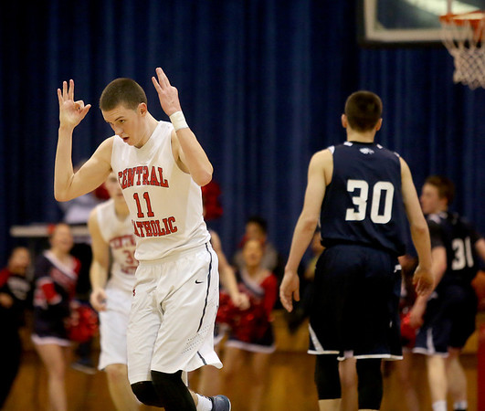 PHOTO SLIDESHOW: SJP vs Central Hoops