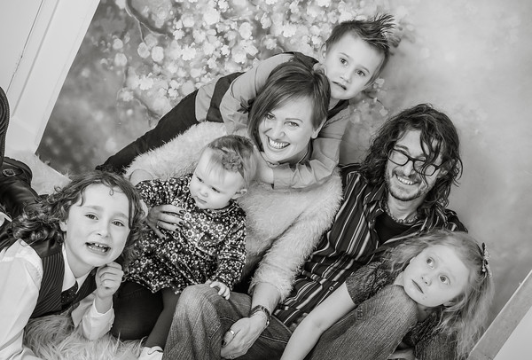 The H Family & magical portrait