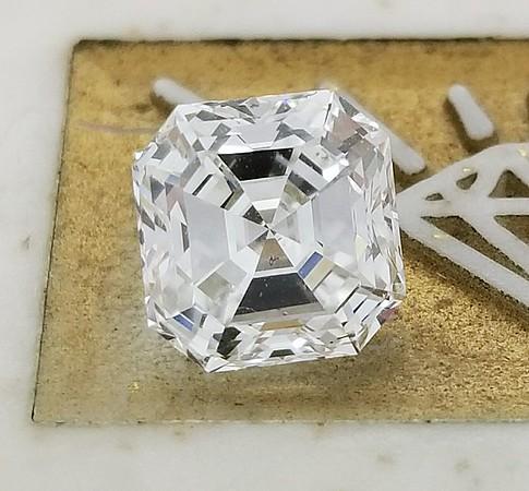 2.01ct Vintage Asscher Cut Diamond - GIA G, SI1