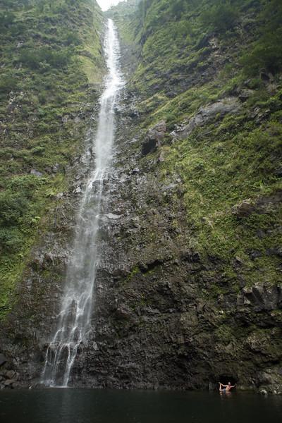 hanakoa-falls-9.jpg