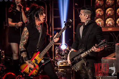 Sixx: A.M. at I Heart Radio
