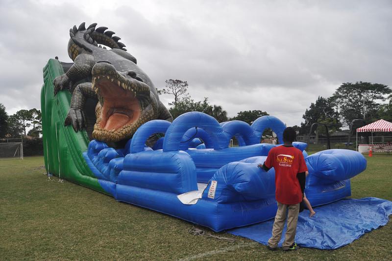 2009 December 6 Pine Crest Carnival 014.jpg
