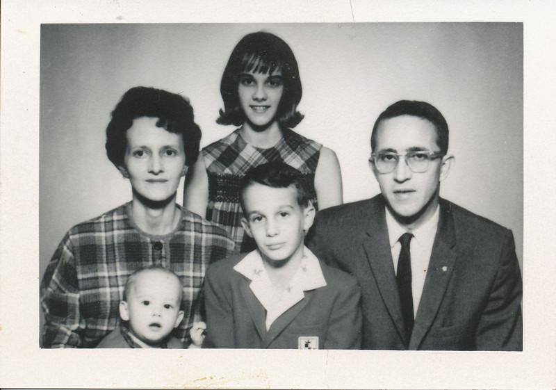 Kenneth, Jane (Worthman) Clark with children Judy 13, Tom 9, Linda 1.jpg