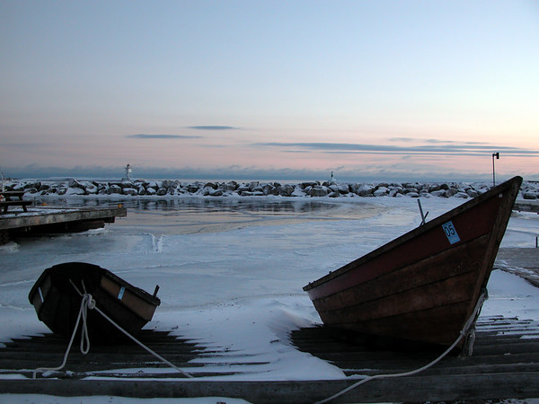20040117North_House_Boats_in_Winter.jpg