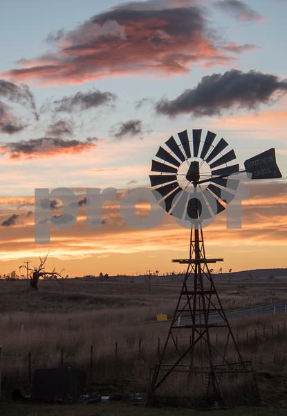 Windmill sunrise.jpg