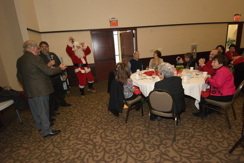 2014-12-04-Philtopchos-Seniors-Christmas-Luncheon_015.jpg