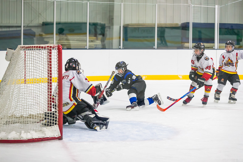 UPPER VALLEY STORM HOCKEY SQUIRT 10U 1-470.jpg