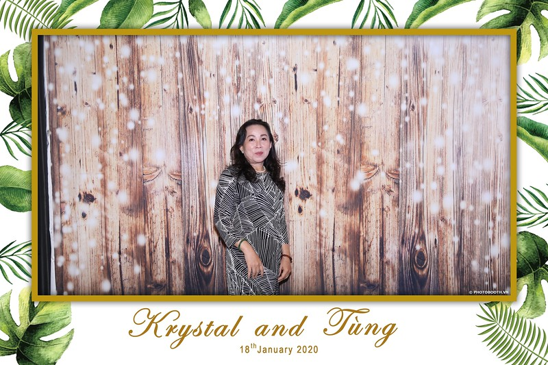 Krystal-Tung-wedding-instant-print-photo-booth-in-Ho-Chi-Minh-City-Chup-hinh-lay-lien-Tiec-cuoi-WefieBox-Photobooth-Vietnam-024.jpg