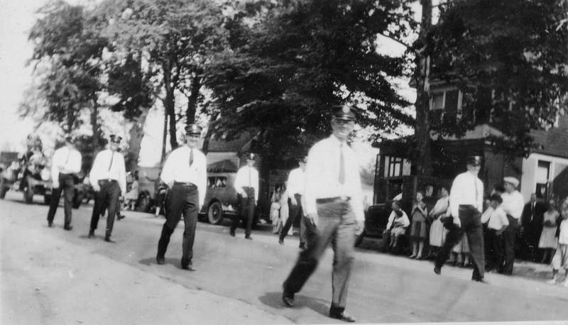 FD parade 40s024.jpg
