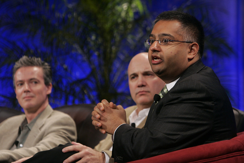 """""""The Future of Wireless: From Mobile Ads to Mobile Purchases"""": (L-R) Gary Roshak, Yahoo!; Jonathan Bulkeley, ScanBuy; and Rajeev Chand, Rutberg & Co."""