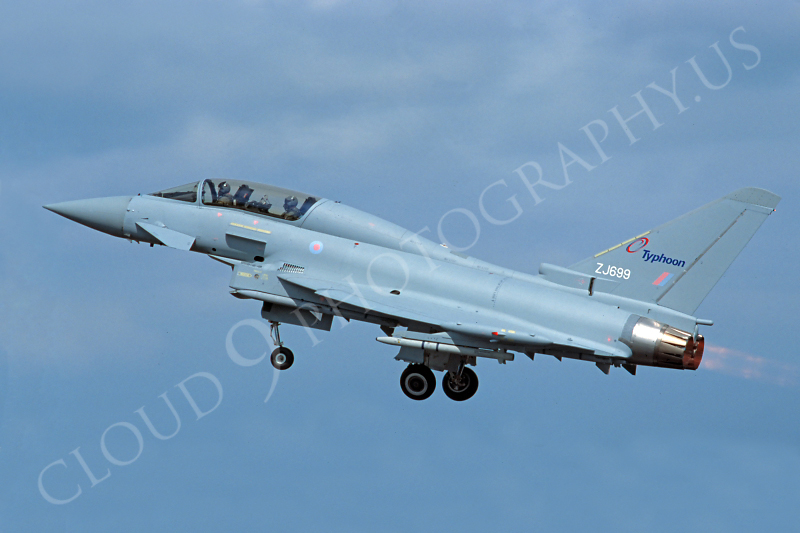 Eurofighter Typhoon 00032 Eurofighter Typhoon British RAF ZJ699 by Stephen W D Wolf.JPG