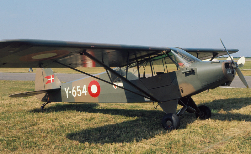 OY-AZZ-Y-654-PiperPA-18-95SuperCub-Private-EKVJ-1975-06-AM0031-KBVPCollection.JPG