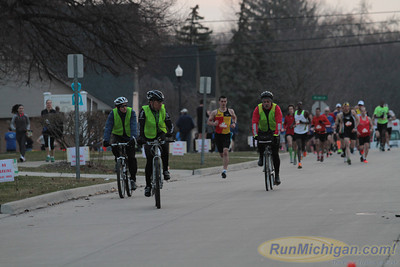 Marathon Start Gallery 2 - 2014 Martian Invasion of Races
