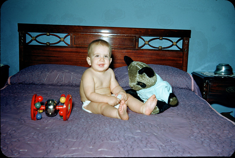 baby richard on the bed 2.jpg
