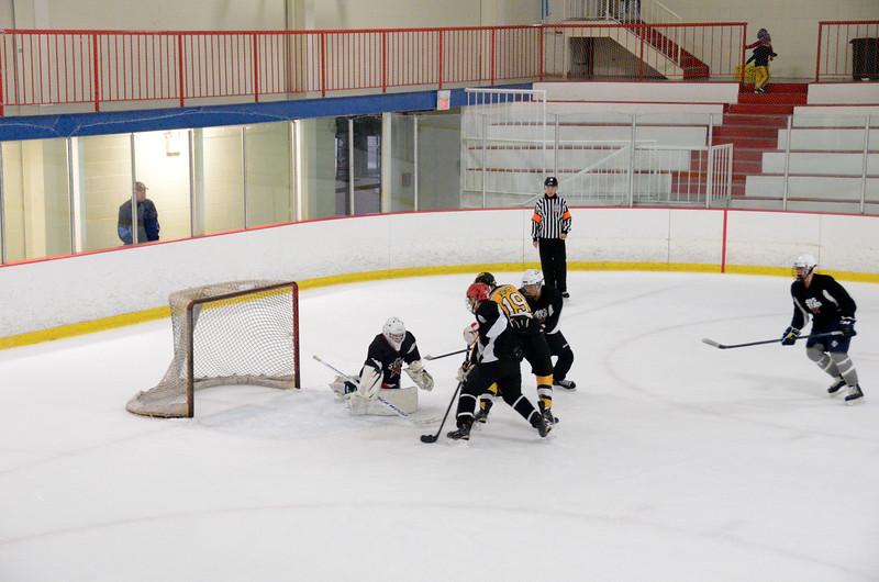 140913 Jr. Bruins vs. 495 Stars-220.JPG