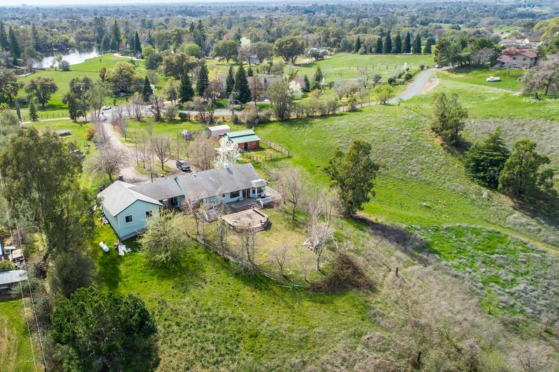3165 Meadow Creek Ln-9.jpg