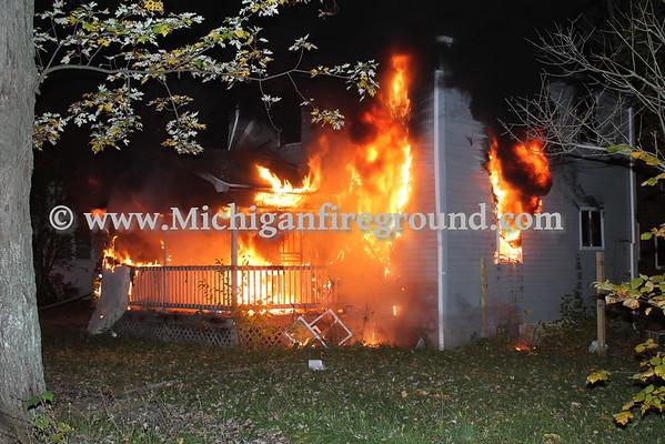 10/30/16 - Flint house fire, Mt Elliot & Rankin